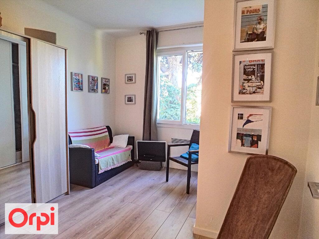Appartement à vendre 3 57.14m2 à Cannes vignette-4