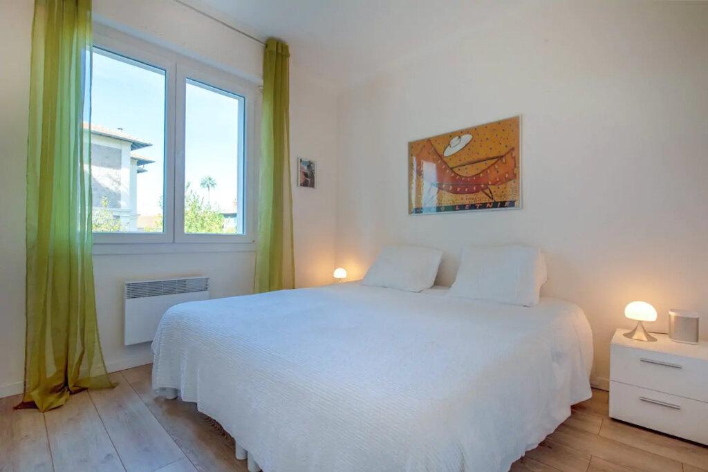 Appartement à vendre 3 57.14m2 à Cannes vignette-8
