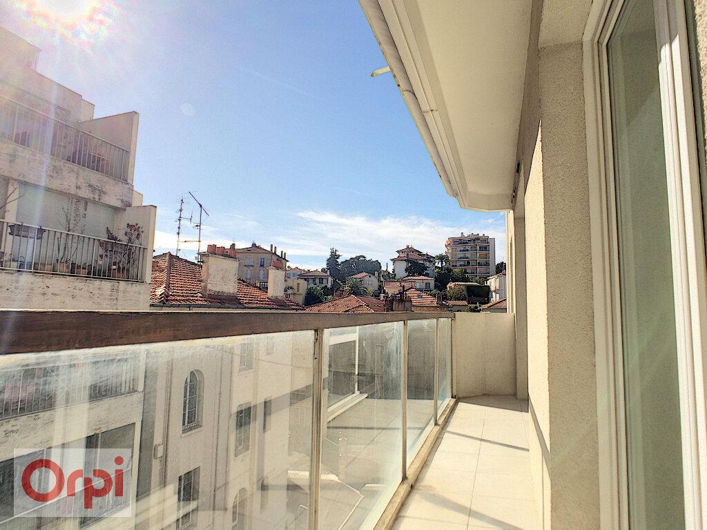 Appartement à louer 2 36.47m2 à Cannes vignette-3