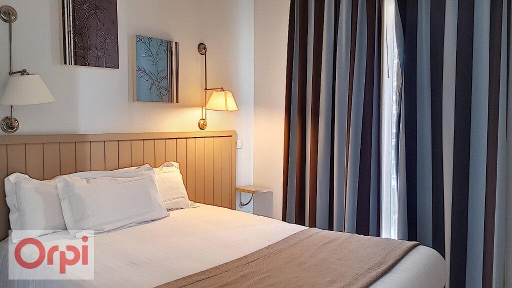 Appartement à louer 3 52.28m2 à Cannes vignette-2