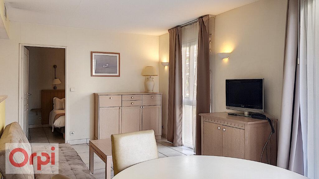 Appartement à louer 3 52.28m2 à Cannes vignette-3