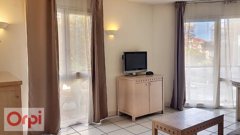 Appartement à louer 3 52.28m2 à Cannes vignette-8