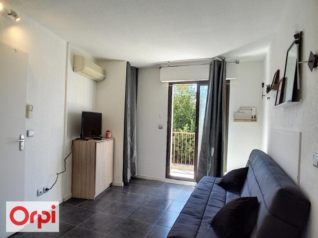 Appartement à louer 1 15.84m2 à Le Cannet vignette-1