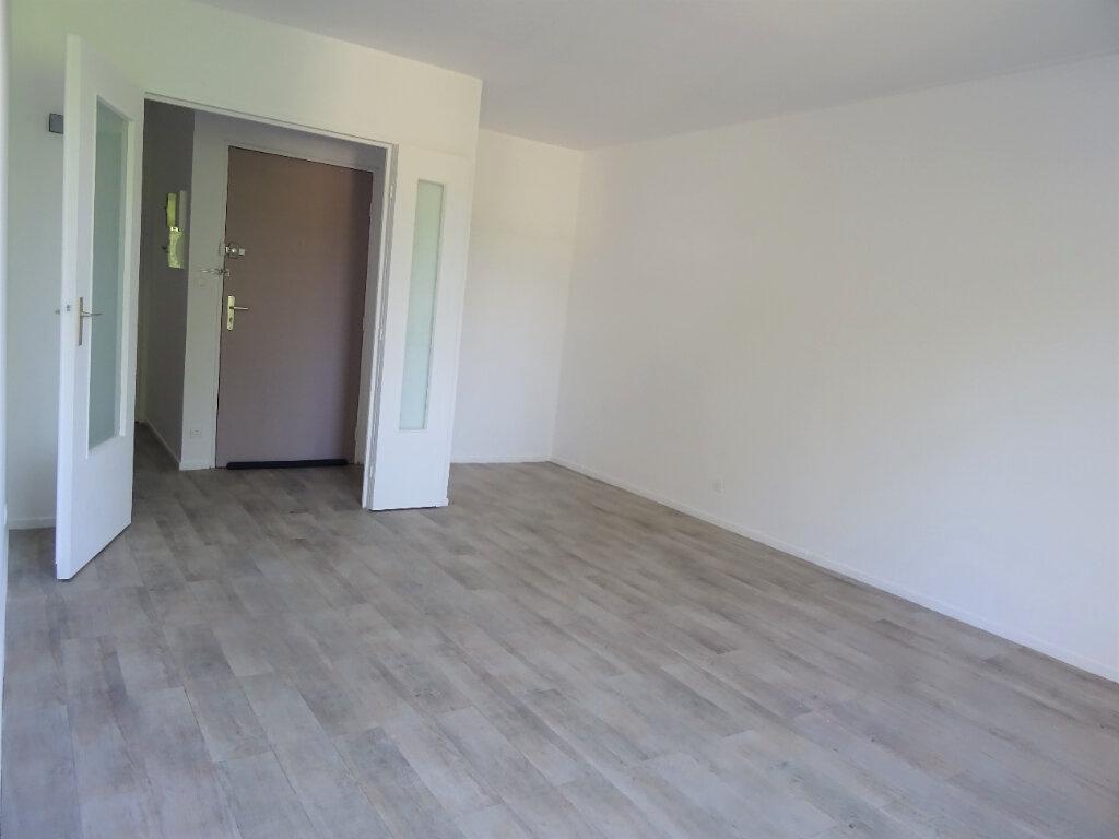 Appartement à louer 2 56m2 à Menucourt vignette-6