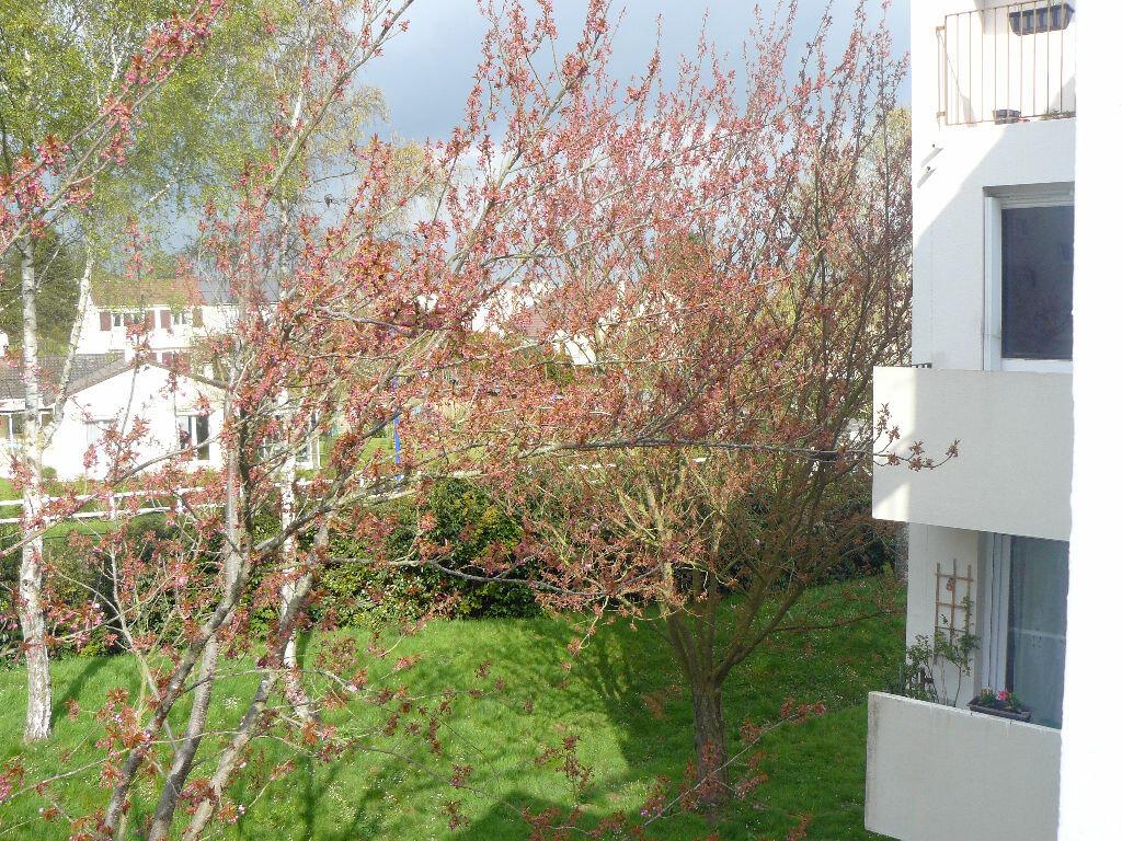 Appartement à vendre 1 36.1m2 à Menucourt vignette-1