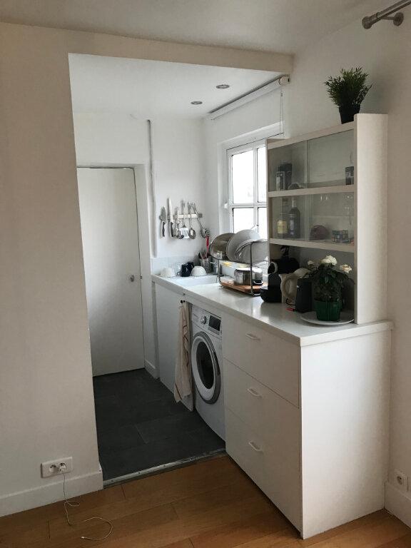 Appartement à louer 2 31.55m2 à Paris 10 vignette-4