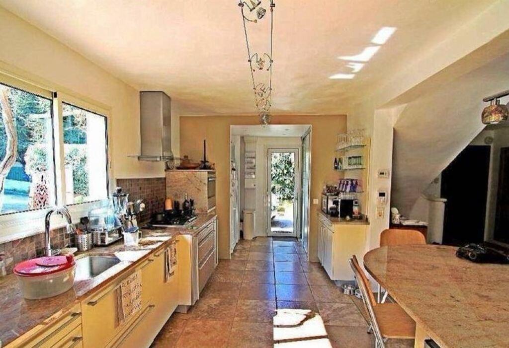 Maison à vendre 5 150m2 à Biot vignette-8