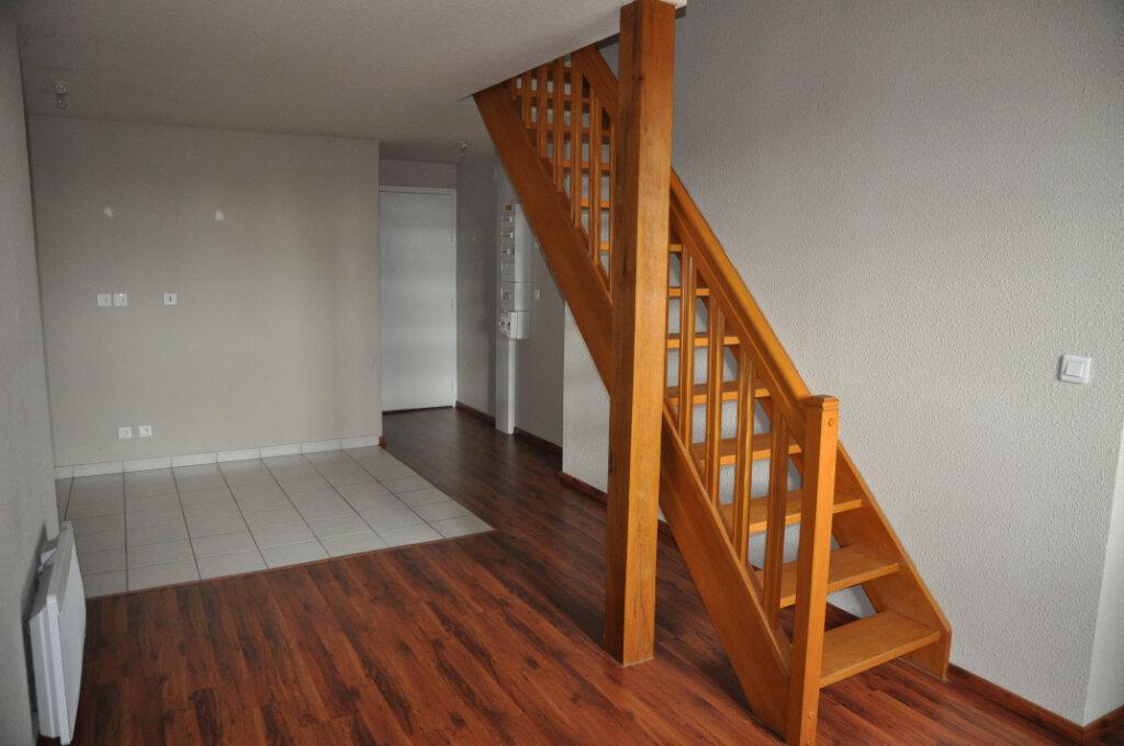 Appartement à louer 3 57m2 à Cosne-Cours-sur-Loire vignette-3
