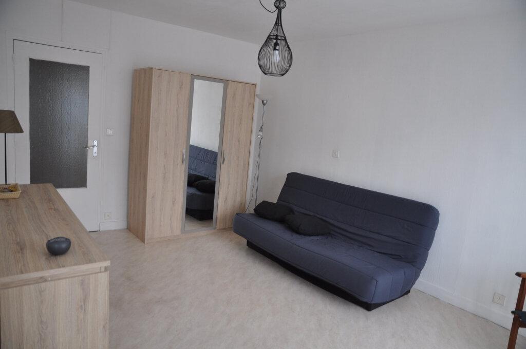 Appartement à louer 1 31m2 à Cosne-Cours-sur-Loire vignette-2