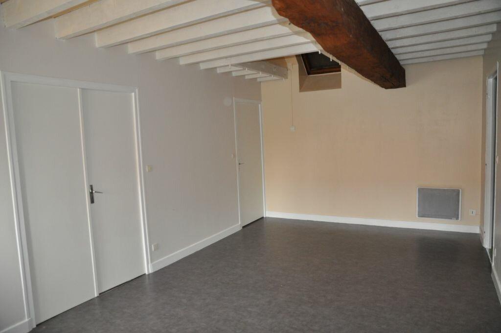 Appartement à louer 3 56m2 à Cosne-Cours-sur-Loire vignette-1