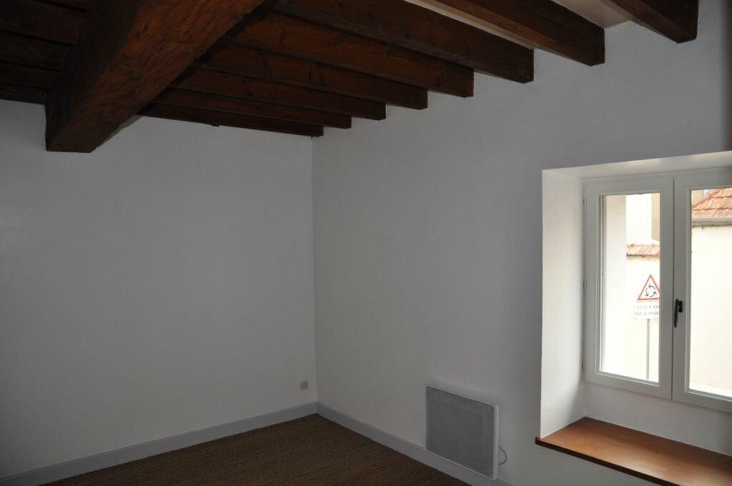 Appartement à louer 3 56m2 à Cosne-Cours-sur-Loire vignette-3