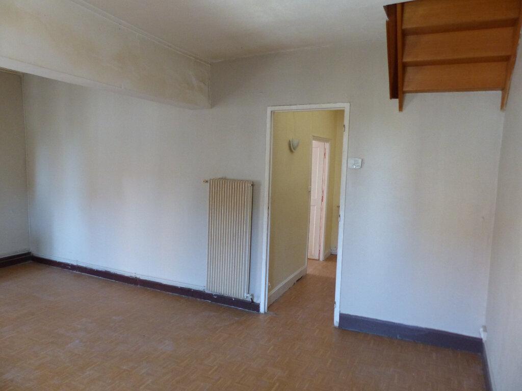 Appartement à louer 3 85m2 à Cosne-Cours-sur-Loire vignette-2