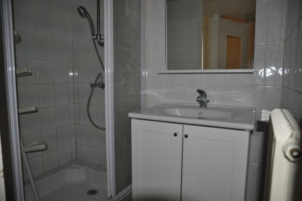 Appartement à louer 3 85m2 à Cosne-Cours-sur-Loire vignette-3
