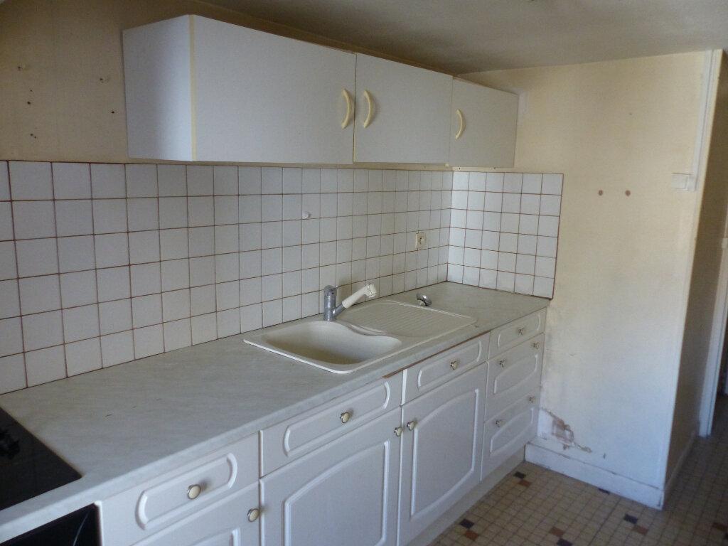 Appartement à louer 3 85m2 à Cosne-Cours-sur-Loire vignette-8