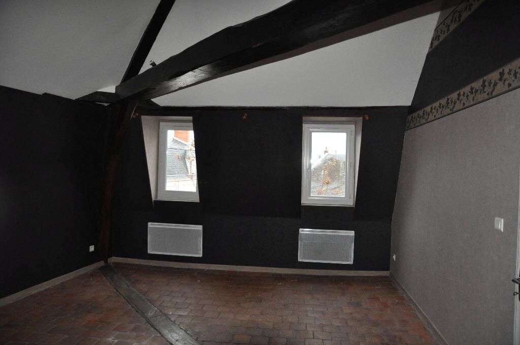 Appartement à louer 4 97m2 à Cosne-Cours-sur-Loire vignette-3