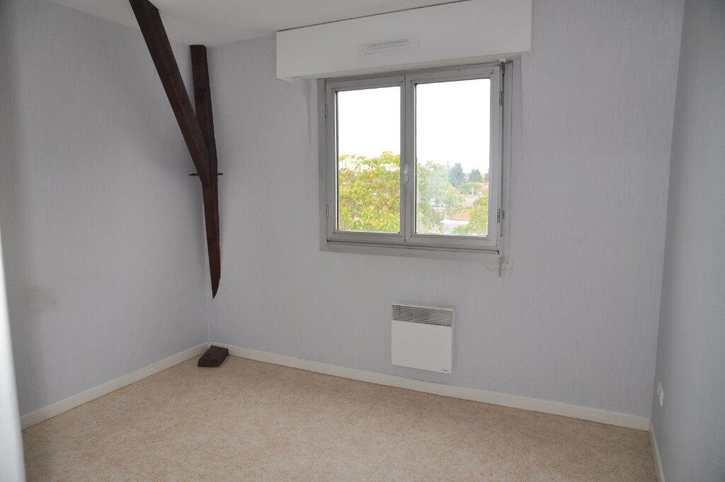 Appartement à louer 3 64m2 à Cosne-Cours-sur-Loire vignette-4