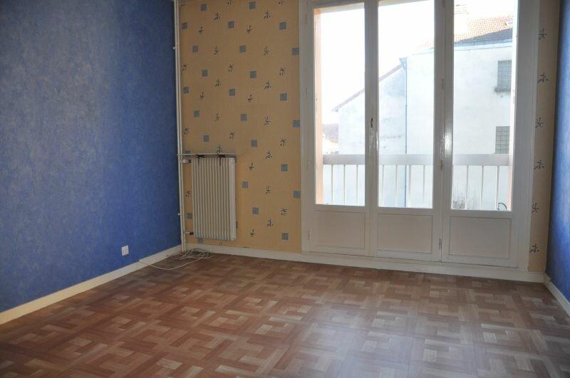 Appartement à louer 2 50m2 à Cosne-Cours-sur-Loire vignette-4