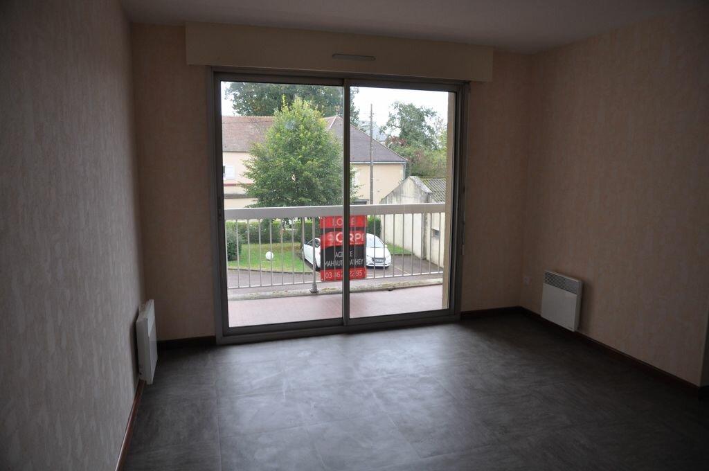 Appartement à louer 1 34m2 à Cosne-Cours-sur-Loire vignette-1
