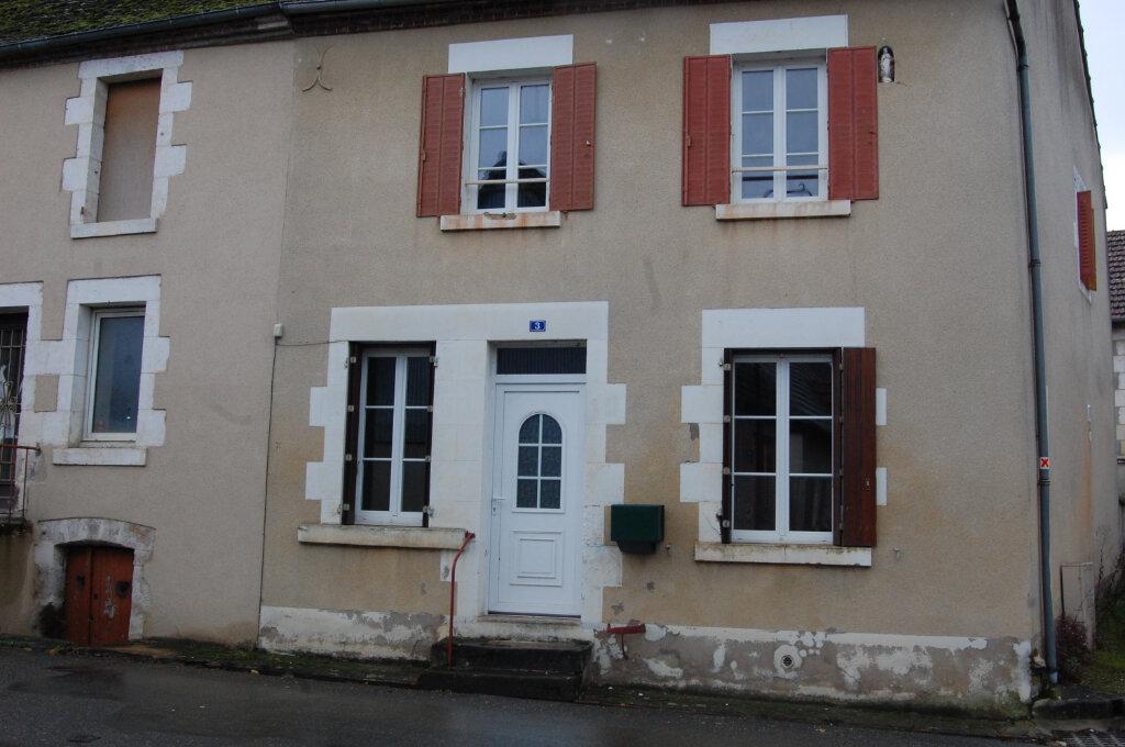 Maison à louer 3 90m2 à Sainte-Gemme-en-Sancerrois vignette-2