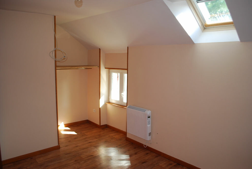Maison à louer 3 74m2 à Boulleret vignette-2
