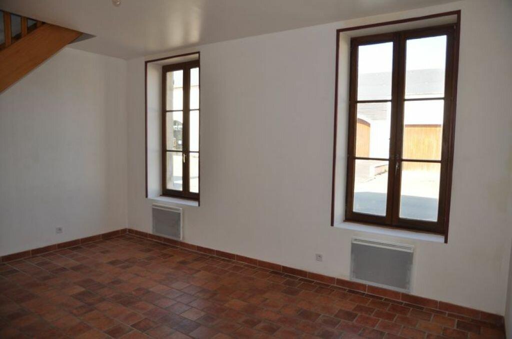 Maison à louer 4 78m2 à Pouilly-sur-Loire vignette-3