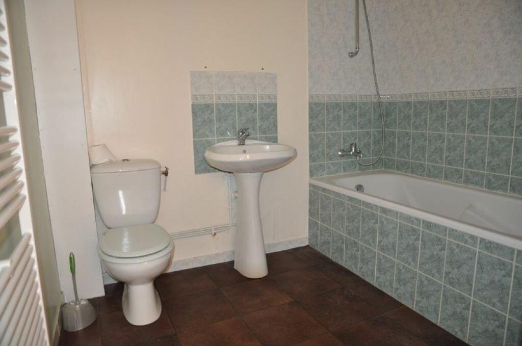 Maison à louer 4 78m2 à Pouilly-sur-Loire vignette-5