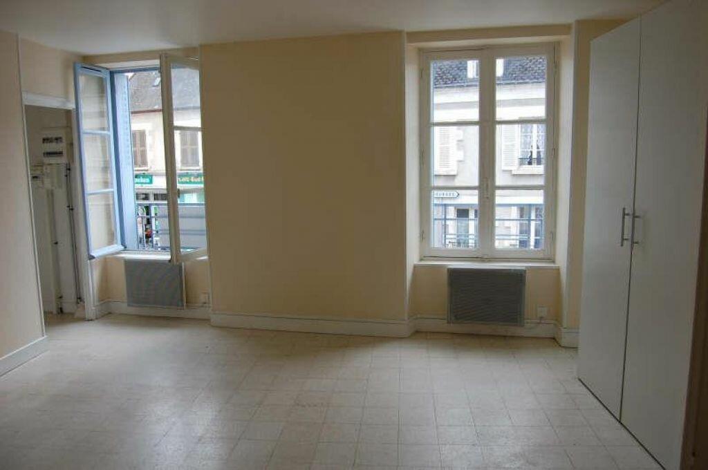 Appartement à louer 1 31m2 à Saint-Satur vignette-1