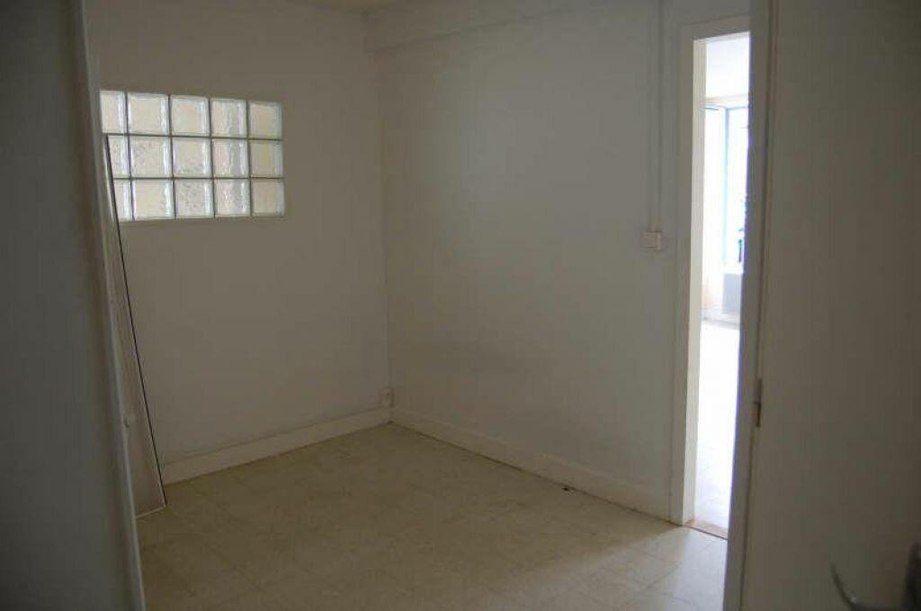 Appartement à louer 1 31m2 à Saint-Satur vignette-4