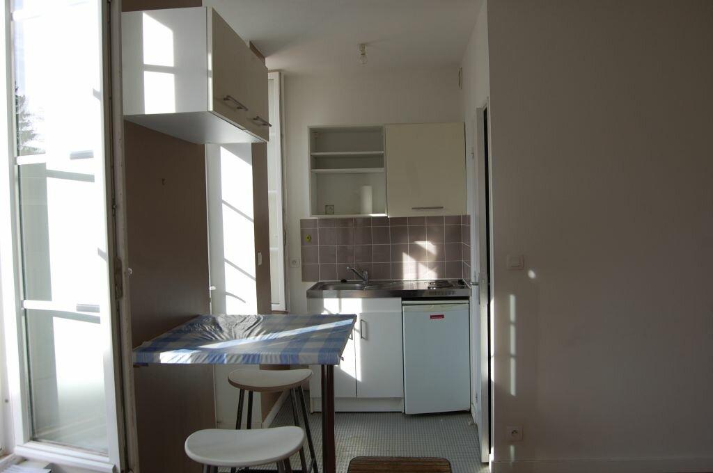 Appartement à louer 2 35m2 à Sancerre vignette-1