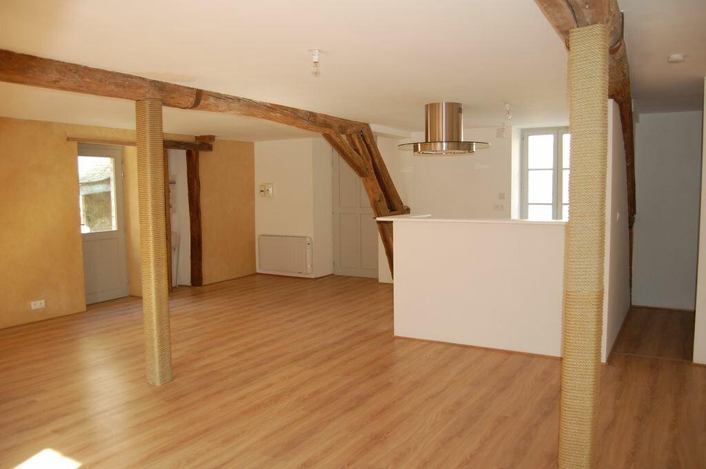 Appartement à louer 2 84m2 à Saint-Satur vignette-1