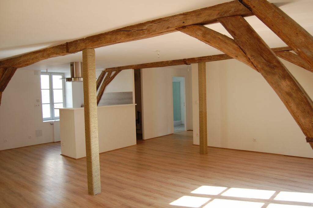 Appartement à louer 2 84m2 à Saint-Satur vignette-3