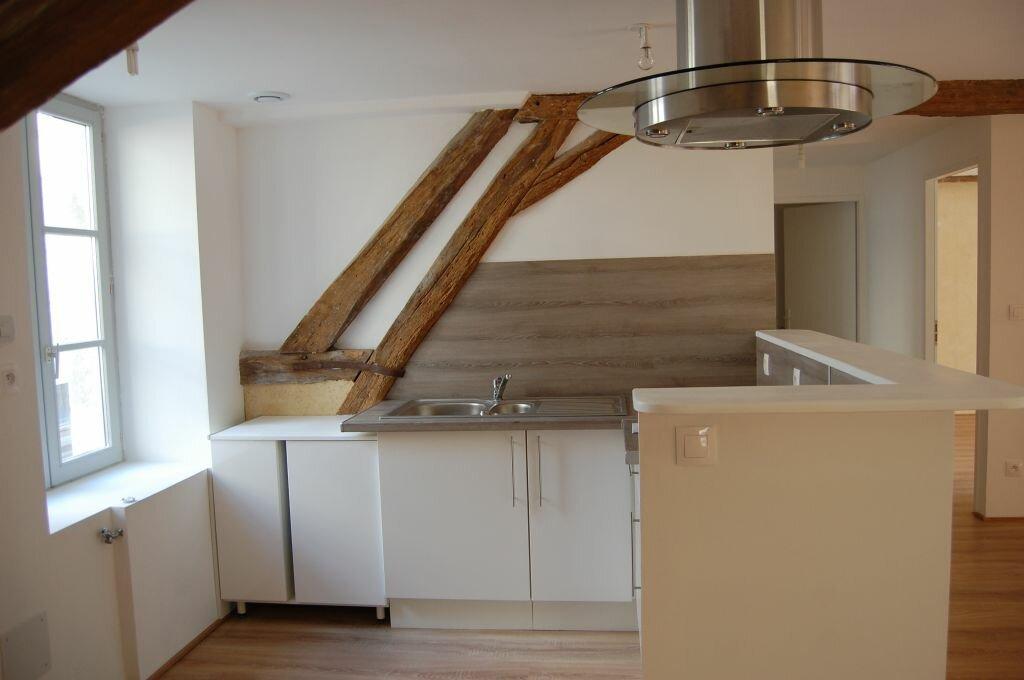 Appartement à louer 2 84m2 à Saint-Satur vignette-4