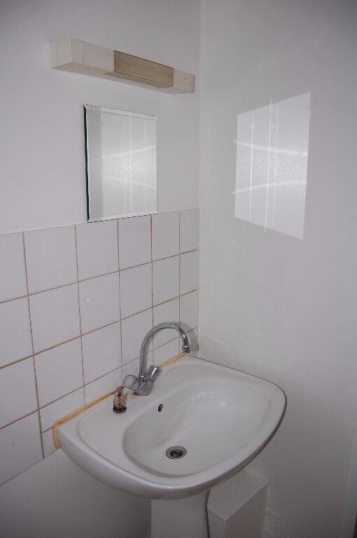 Appartement à louer 2 30m2 à Sancerre vignette-9