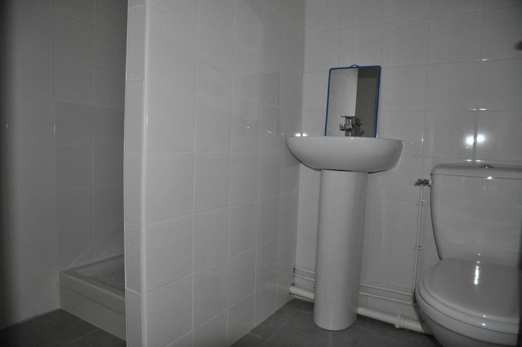 Appartement à louer 1 34m2 à Cosne-Cours-sur-Loire vignette-3