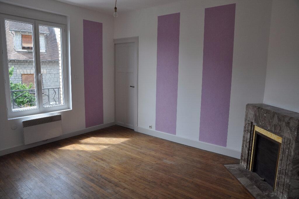 Appartement à louer 4 95m2 à Cosne-Cours-sur-Loire vignette-1