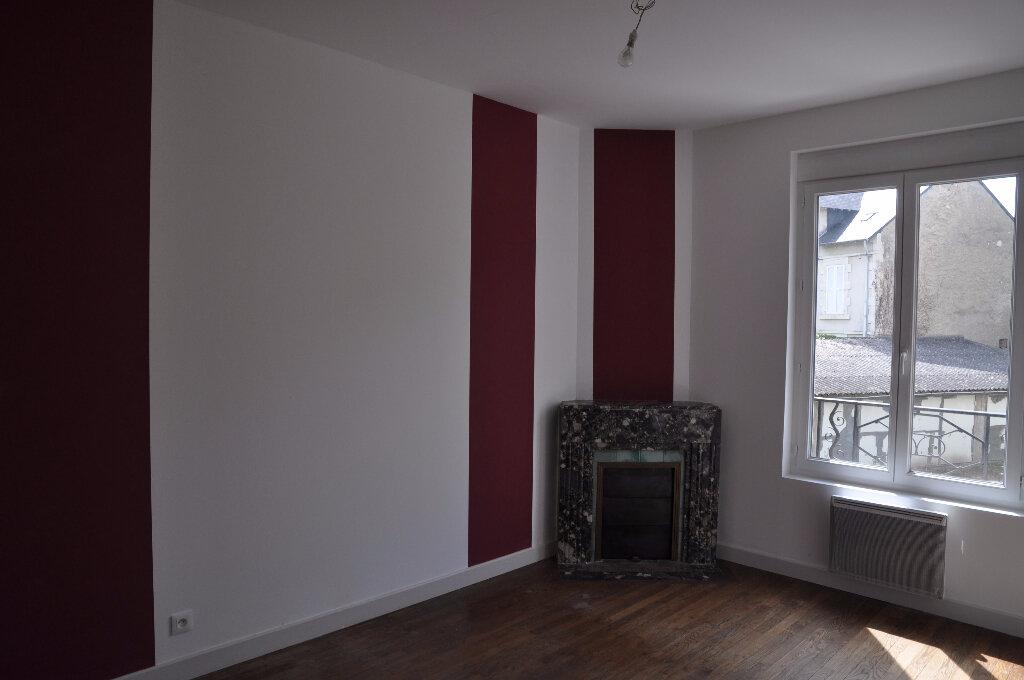 Appartement à louer 4 95m2 à Cosne-Cours-sur-Loire vignette-2