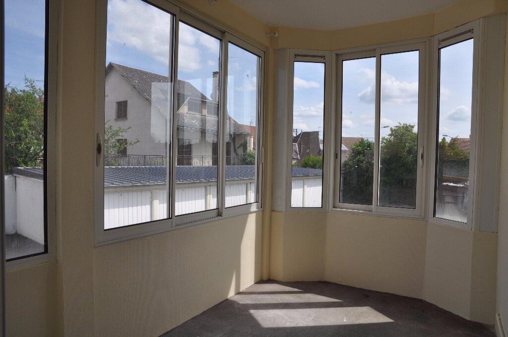 Appartement à louer 4 95m2 à Cosne-Cours-sur-Loire vignette-4