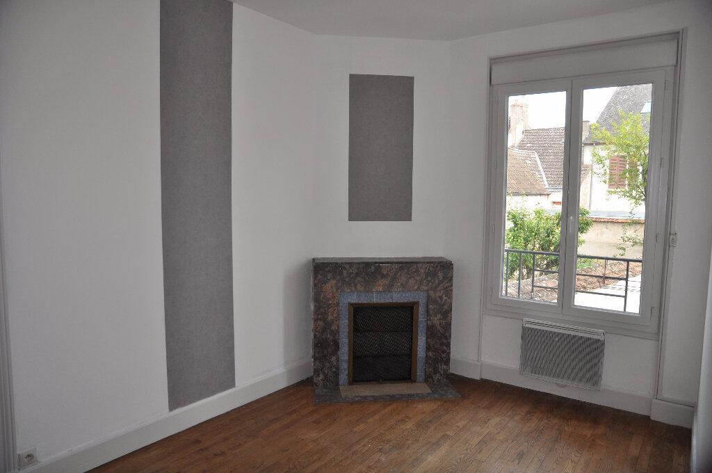 Appartement à louer 4 95m2 à Cosne-Cours-sur-Loire vignette-6