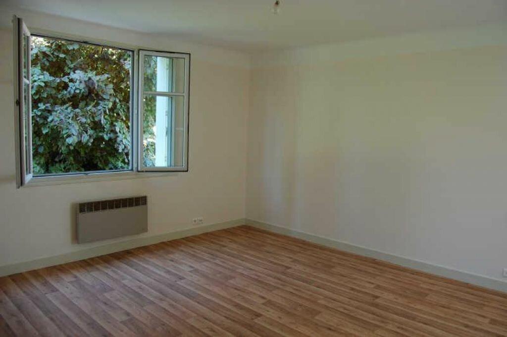 Appartement à louer 2 38m2 à Saint-Satur vignette-2