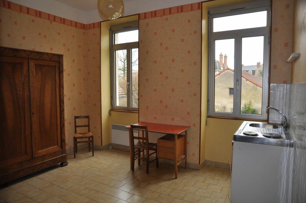 Appartement à louer 1 22m2 à Cosne-Cours-sur-Loire vignette-1