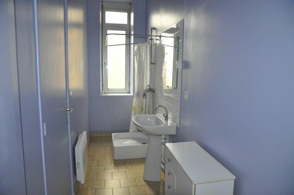 Appartement à louer 1 22m2 à Cosne-Cours-sur-Loire vignette-3