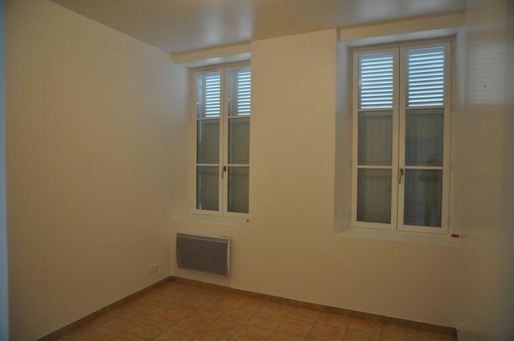 Appartement à louer 3 66m2 à Léré vignette-3