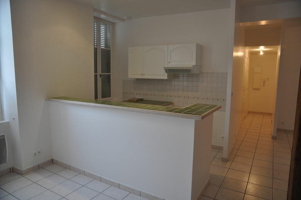 Appartement à louer 3 66m2 à Léré vignette-4