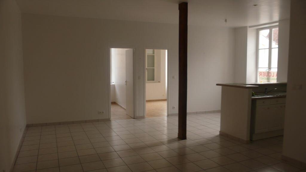 Appartement à louer 3 66m2 à Léré vignette-5