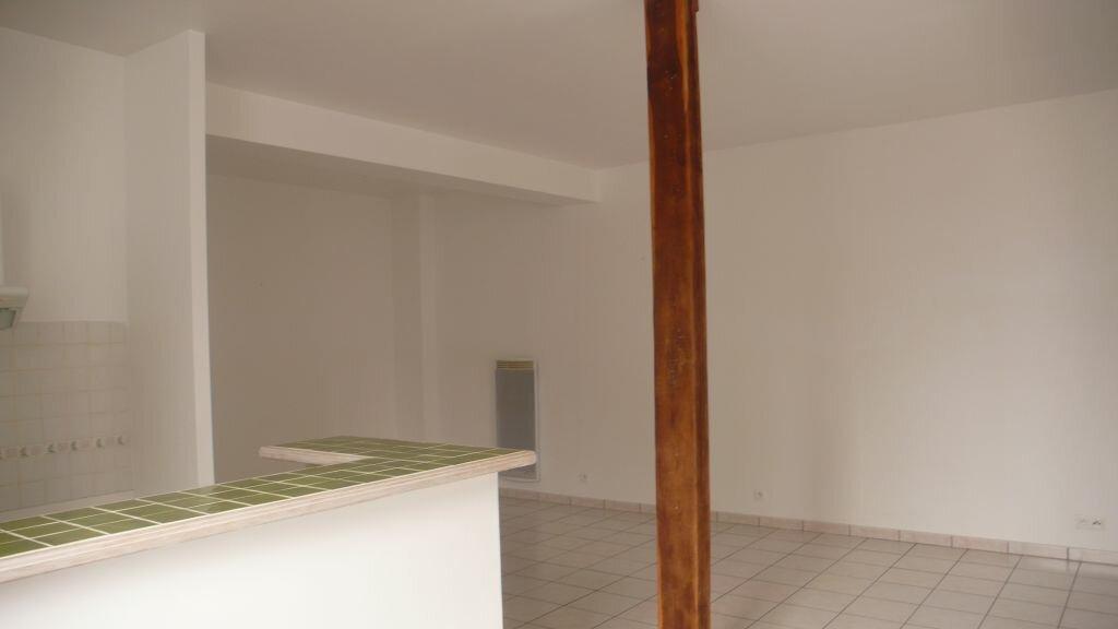 Appartement à louer 3 66m2 à Léré vignette-6