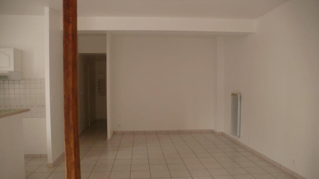 Appartement à louer 3 66m2 à Léré vignette-7