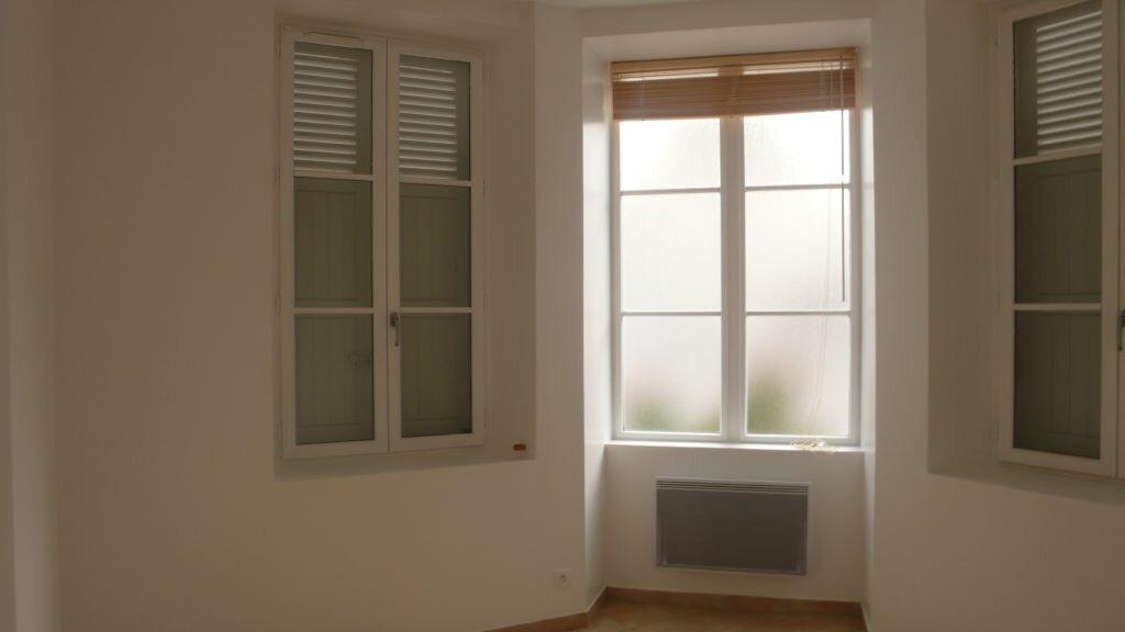 Appartement à louer 3 66m2 à Léré vignette-11
