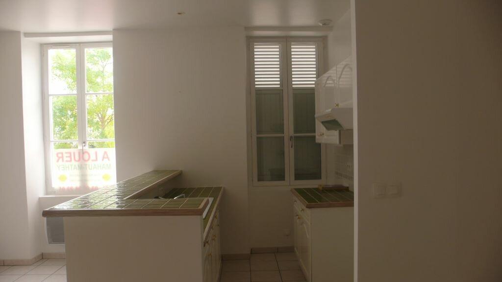 Appartement à louer 3 66m2 à Léré vignette-12