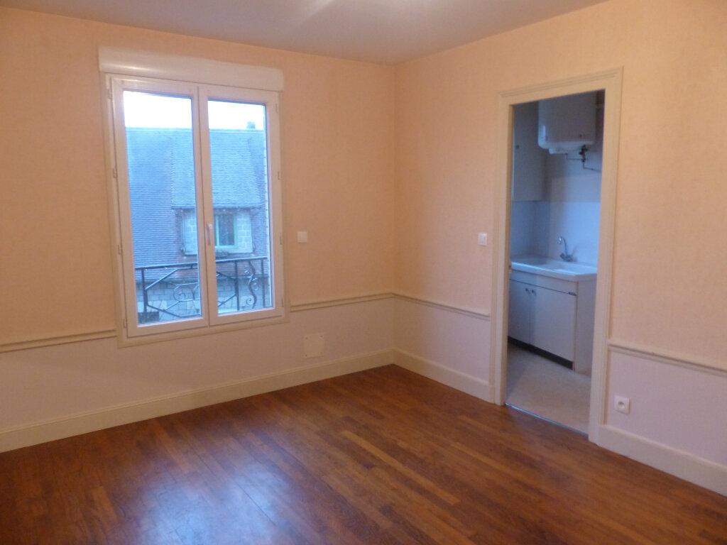 Appartement à louer 2 41m2 à Cosne-Cours-sur-Loire vignette-1