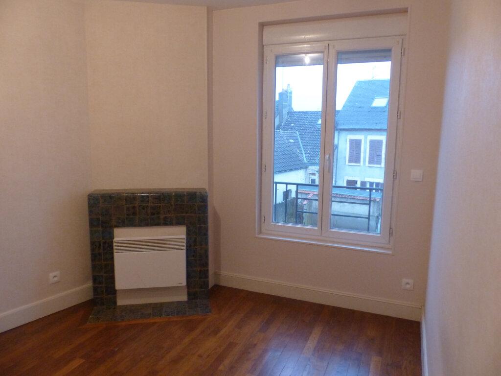 Appartement à louer 2 41m2 à Cosne-Cours-sur-Loire vignette-2